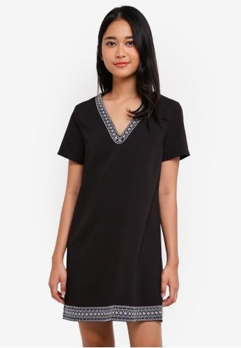 Something Borrowed black Embroidered V-Neck Shift Dress D455FAA4E2B1C0GS_1