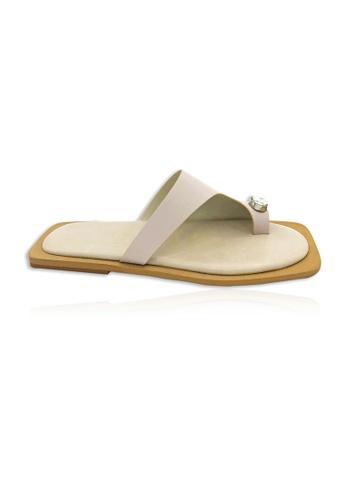 Yoke & Theam beige Geta Toe Thong 2DAA0SH46AB417GS_1