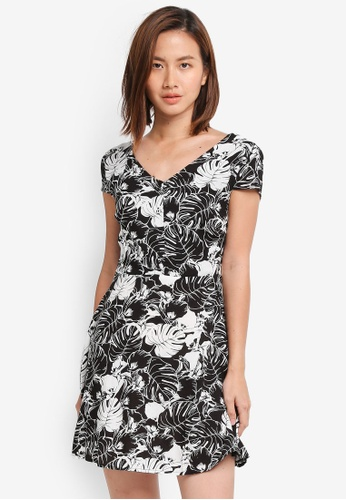 ZALORA black Cap Sleeves Mini Dress 58367AA11CCA29GS_1