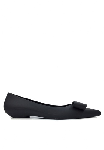 Twenty Eight Shoes 黑色 立體蝴蝶防水果凍膠平底雨鞋 VR8302 B711ASH3542EFAGS_1