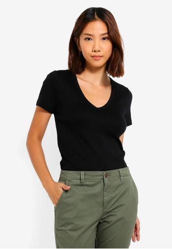 6ec7b9af2f9 Buy GAP Modern V-Neck T-Shirt Online on ZALORA Singapore
