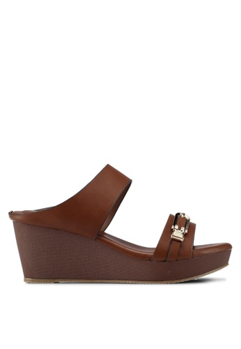Spiffy brown Solid Tone Wedges 8D21BSH7D8D5C0GS_1