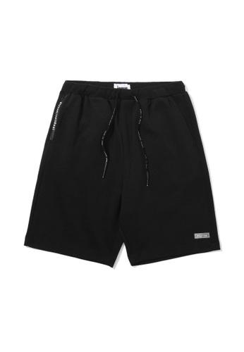 izzue black Drawstring sweat shorts 86EA1AAE83BC52GS_1