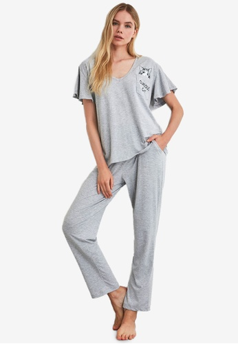 Trendyol grey Cat Print Pyjama Set BC6B3AA6FF781EGS_1