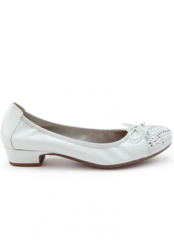 Shu Talk 灰色 漆皮圓頭蝴蝶結小窩釘低跟鞋 SH544SH099TZTW_1