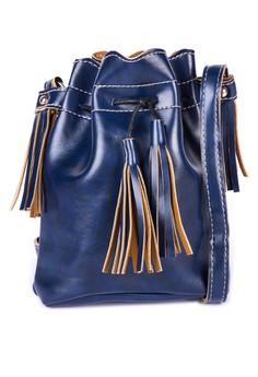 28042 Tassel Bucket Slingbag w/ Adjustable Strap