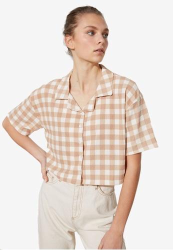 Trendyol beige Check Print Crop Shirt DDFBBAADF86EEBGS_1