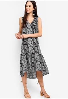 79fa9b725860 Something Borrowed black Fluted Hem Sleeveless Shift Dress  10960AA18AE3CFGS 1