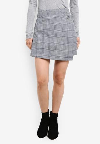 ZALORA black and multi Plaid A-Line Skirt 9FF83AA4D8DFF4GS_1