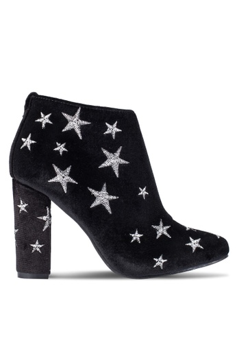 ZALORA black Stars Embroidery Ankle Boots 41109ZZ3AC75AEGS_1