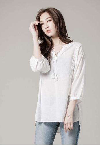 H:CONNECT white V-Neck Crochet Detail Shirt AEB62AAE18FEF8GS_1