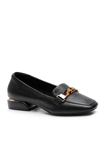 Twenty Eight Shoes 黑色 頭層牛皮豹紋裝飾扣高面鞋 VL8931 55232SH49B1FEEGS_1