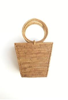 b95fd733f718 ASHLEY SUMMER CO brown Trapeze Round Woven Rattan Bag - Beach Straw Basket  Bag 4BF7FACFF0915BGS 1