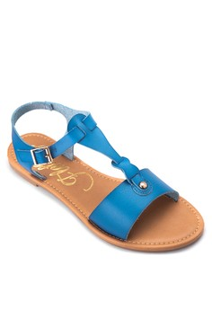Flat Sandals with Buckle Closure