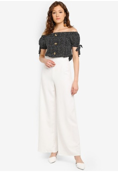 40d6f57ae907 Boohoo Petite High Waisted Woven Wide Leg Trousers RM 129.00. Sizes 6 8 10  12