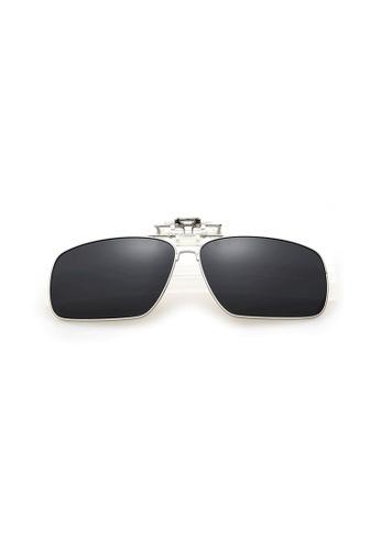 A FRENZ black and grey Full Rim Polarized UV400 Flip-Up Large Clip On Sunglasses BF6DCGLAE87DBBGS_1