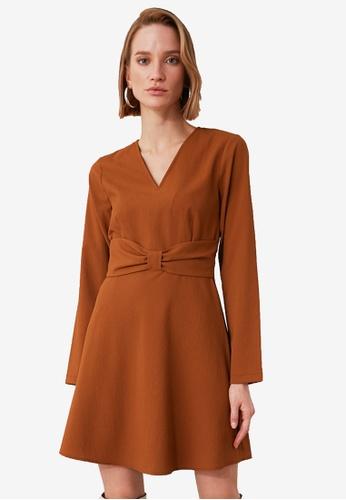 Trendyol brown V Neck Sash Detail Dress E0E24AA3DCD77DGS_1
