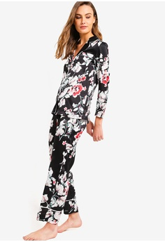 622d62d40cf 14% OFF ZALORA BASICS Basic Pyjama Sleepwear Pants With Contrast Piping RM  65.00 NOW RM 55.90 Sizes XS