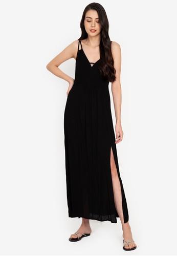 ZALORA BASICS 黑色 Deep V Maxi Dress with Slit 7F779AA8B3F92BGS_1