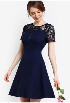 【ZALORA】 伴娘蕾絲拼接挖背修身喇叭連身裙