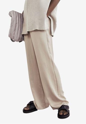 H&M beige Wide Lyocell-Blend Trousers CA03CAABE91DD3GS_1