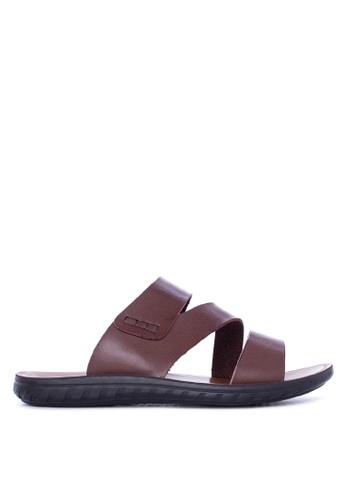 Italianos brown Jon Sandals & Flip Flops IT153SH91GDCPH_1