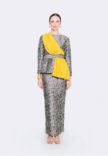 NATALIE from ODDA.KL in white and yellow and SiIver