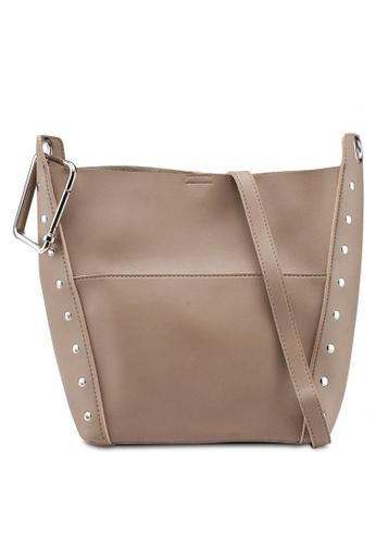 Berrybenka brown Sally Octa Shoulder Bag E56D6AC4EDC4F9GS_1