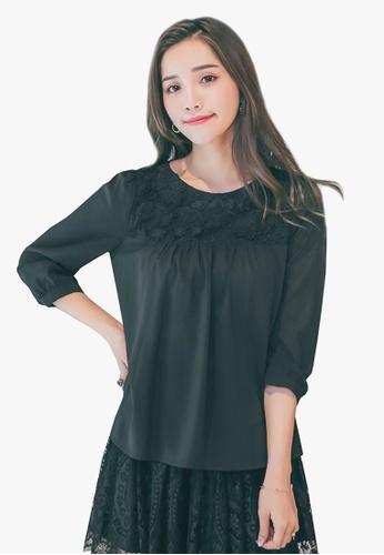 YOCO black Floral Textured Neckline Blouse D756BAA1C8FE96GS_1