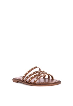 377be40bf06 38% OFF CLN Reign Flats Php 1