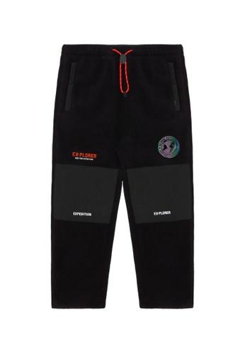 Fingercroxx black Contrast emblem pants 3373EAAA7319ADGS_1