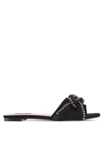 ZALORA 黑色 珍珠飾扭結拖鞋 5F593SH087EFAEGS_1