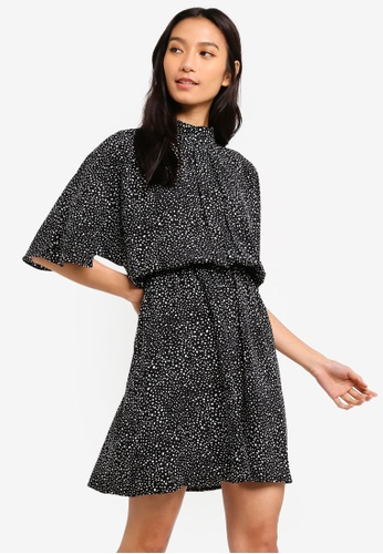 ZALORA 黑色 and 白色 High Neck Fit And Flare Dress 6CA42AAD61E6CBGS_1