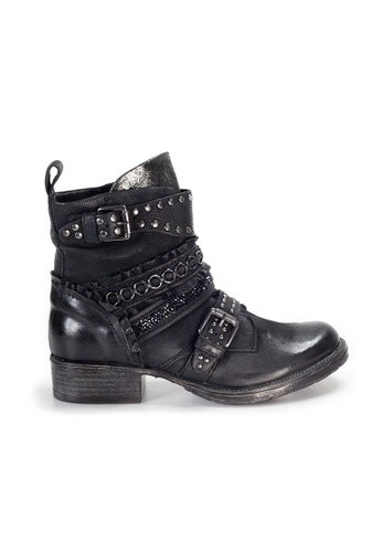 Shu Talk black LeccaLecca Bucket Wrap Boots with Studs 5736DSH3426B91GS_1
