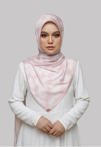 Nadjwazo by LadyQomash pink Revive Shawl in Pink 17C54AA2787DD2GS_1