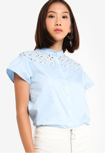 Something Borrowed 藍色 Ruffles Eyelet Button Shirt 3F336AA2747E81GS_1