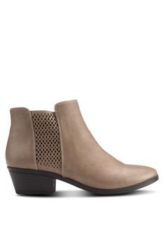 【ZALORA】 Lupica 雕花粗跟踝靴