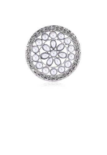 Glamorousky silver Fashion and Elegant Geometric Hollow Pattern Round Brooch with Imitation Pearls A6FA5ACF8AD0A4GS_1