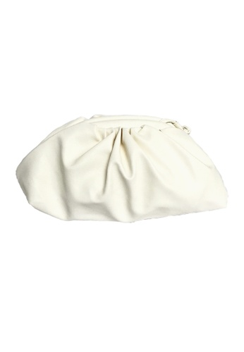 TEERA BELLESA white Maxi Pop Clutch in Off White 96C91AC7C8DEAEGS_1