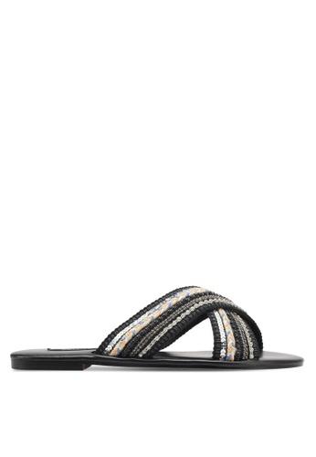 ZALORA 黑色 Cross Strap Sandals 71C33ZZ4819329GS_1