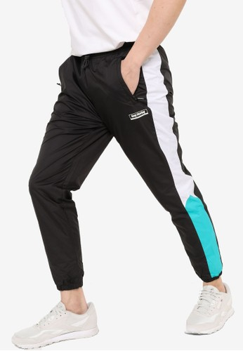 Anta black Cross Training Woven Track Pants 4E816AAC9FCC03GS_1