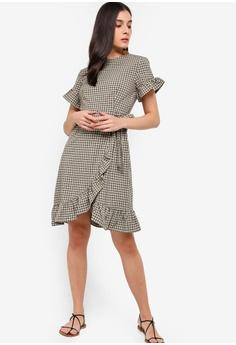 451260a500 24% OFF ZALORA Ruffles Sheath Dress RM 105.00 NOW RM 79.90 Sizes XS S M L XL