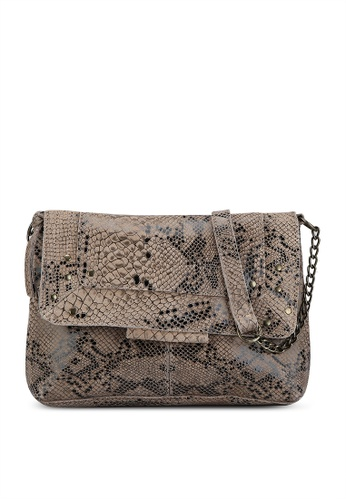 Pieces brown Felizia Leather Crossbody Bag BC4AFAC2C6F638GS_1