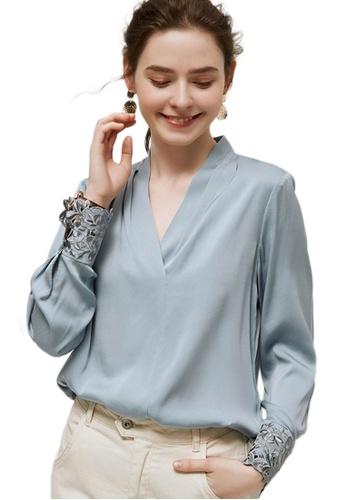 Sunnydaysweety blue V-Neck Long-Sleeved Loose Bottoming Shirt A090905BL B3E21AA8995BD4GS_1