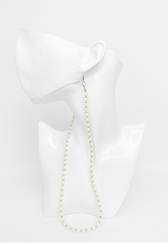 TOUGO white and gold Yola Pearl Kalung Tali Masker / Face Mask Chain Strap with Gold Beads 284DBESC79A1BEGS_1