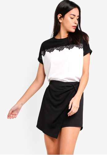 ZALORA black and white Extended Sleeves Tee With Lace Panel 6EAF4AA0B62E79GS_1
