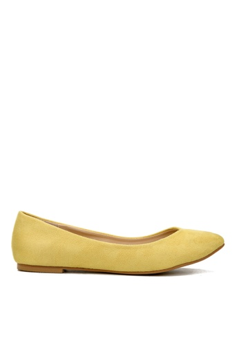 KissXXX 黃色 時尚心機V型淺口舒適平底休閒鞋 KI603SH09MSFTW_1