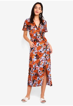 96374a8719a 60% OFF Miss Selfridge Floral Button Wrap Midi Dress RM 279.00 NOW RM  111.90 Sizes 6