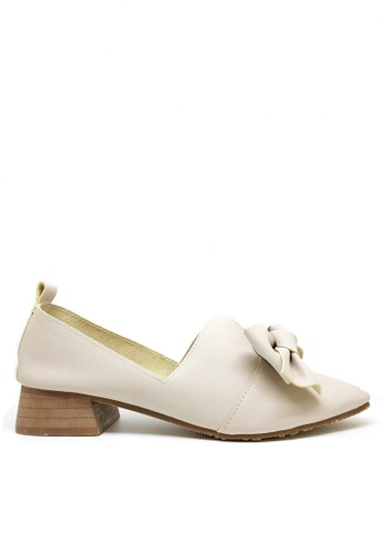 Twenty Eight Shoes beige Vintages Bow Smoking Loafers 662-11 45FE4SHCF708AEGS_1