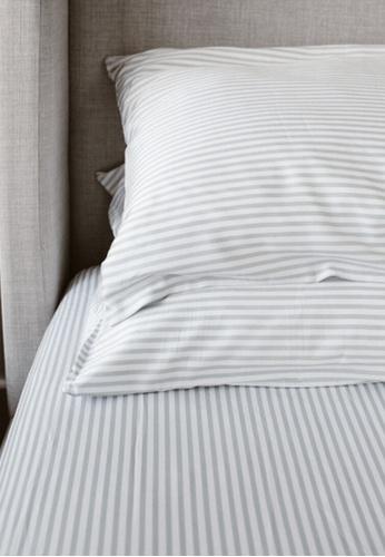 "Linen & Homes multi 100% Bamboo 3 Piece Smoke Stripes Bedsheet Set - King Size (78 x 80 x 16"") 53441HL2EECDBEGS_1"